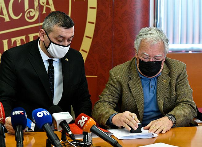 Gavrilović darovao zgradu Srednjoj školi Petrinja